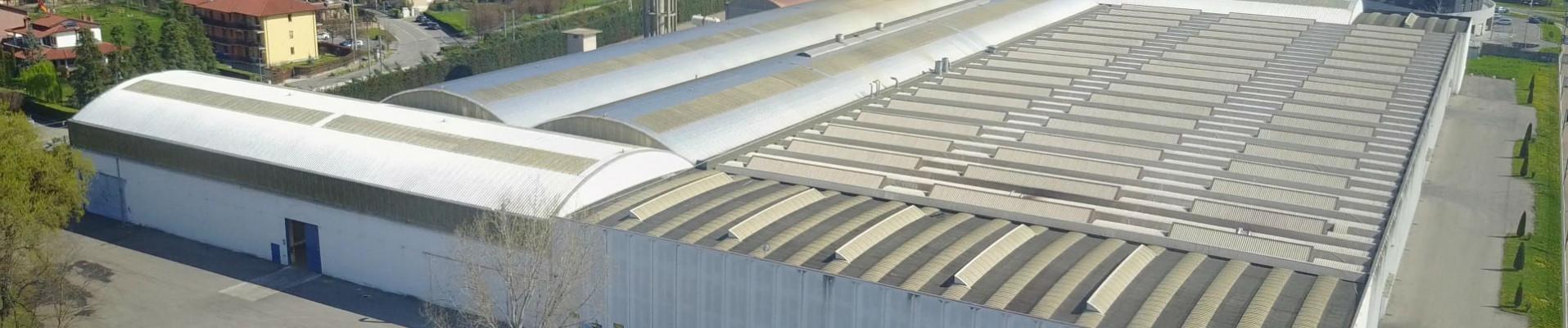 Foto aerea dello stabilimento di Acciaitubi