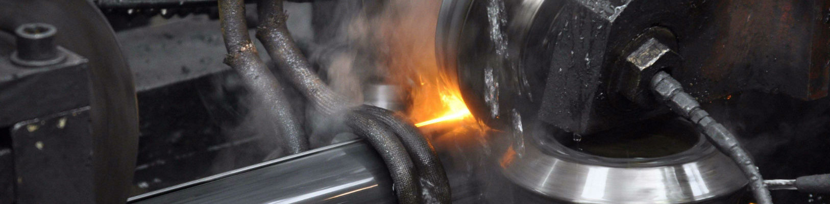 Profilatura dei tubi in acciaio presso Acciaitubi
