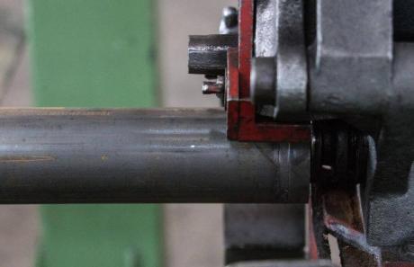 Un nuovo impianto di grovatura di tubi per Acciaitubi S.p.A.