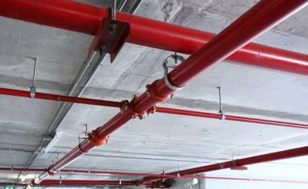 Tubi acciaio per gas e acqua saldati - parcheggio sotterraneo